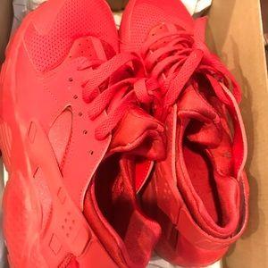 Red Nike Huarache 6y